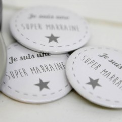 Coffret badge Marraine gris