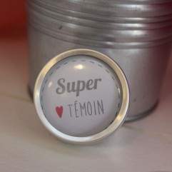 "Coffret badge ""Super Témoin"""