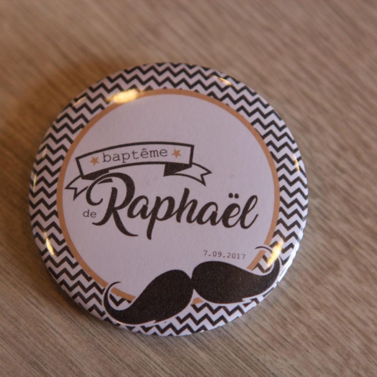 Populaire badge personnalisable moustache baptême EU56