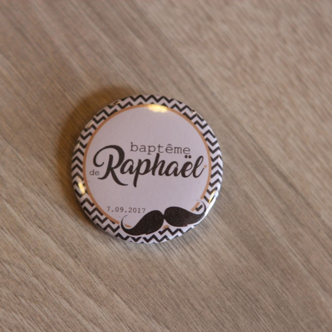 Badge 37mm moustache