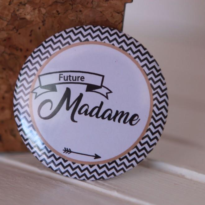 Badge EVJF Future madame fleche