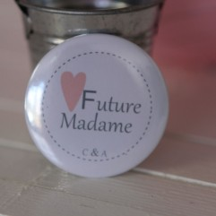 Badge EVJF Future madame coeur personnalisable