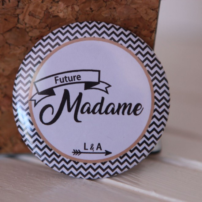 Badge EVJF Future madame fleche personnalisable