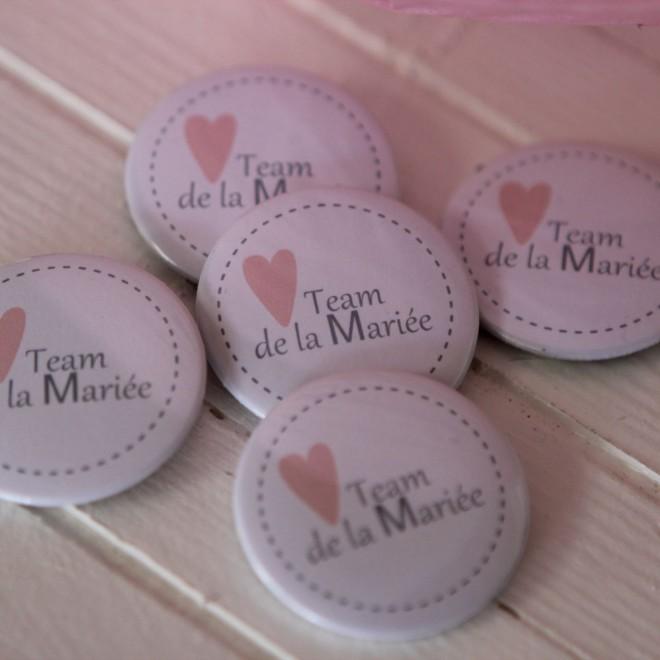 Lot de 5 Badges 37mm Team de la mariée (coeur)