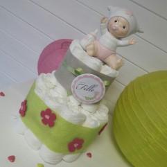 Gâteau de couches bébé rose