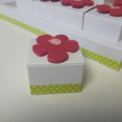 Boite En Carton fleur rose