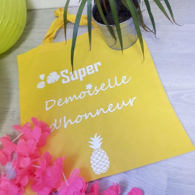 tote bag demoiselle d 39 honneur sur le th me des ananas id e cadeau. Black Bedroom Furniture Sets. Home Design Ideas