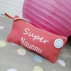 Pochette Super Nounou (plage) + badge