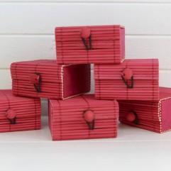 6 boites à secret rouges