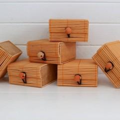 6 boites à secret oranges
