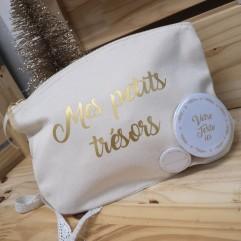 """Pochette """"Mes petits trésors"""" + badge personnalisable"""