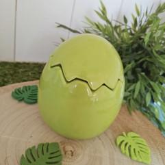 Oeuf vert en céramique
