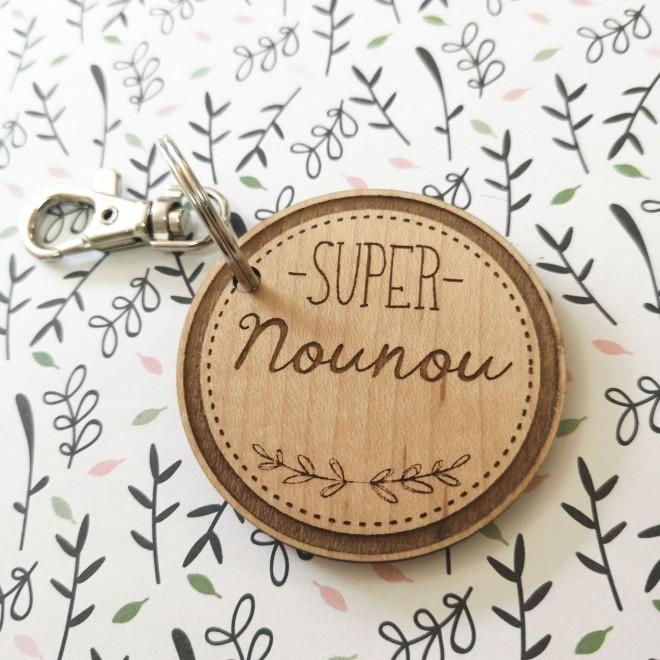 """Porte Clé en bois """"Super Nounou"""""""