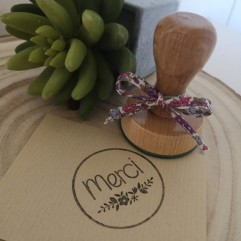 Tampon floral MERCI
