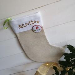 Chaussette de Noël Beige avec badge bonhomme de neige