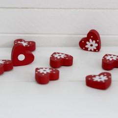 8 coeurs en bois rouge