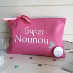 Trousse personnalisable rose foncé Super Nounou (C)