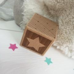 1 Cube en bois étoile